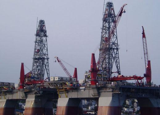 """$250 за барел, предупреждават от """"Газпром"""""""