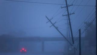 Ураганен вятър остави Чехия без ток