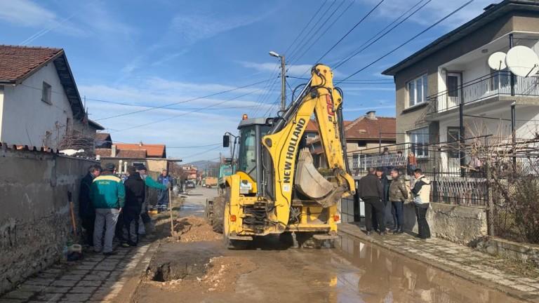 Продължава ремонтът на водопровода в Перник