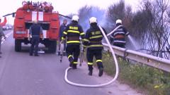 Мъж и жена пострадаха при пожар в производствен цех във Варна