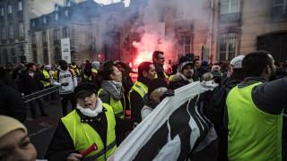 """Втора жертва на протестите на """"жълтите жилетки"""" във Франция"""