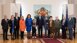 Президентът удостои ветерани от Втората световна война с Почетен знак