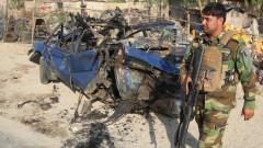 Правителството на Афганистан спира настъплението на талибаните с комендантски час
