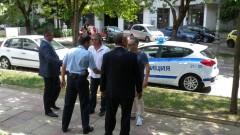 Гумени куршуми и палки е трябвало да ползват полицаите в Ботевград
