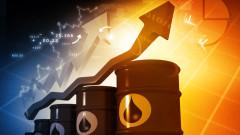 Петролът завършва седмица на ценови скок от над 10%