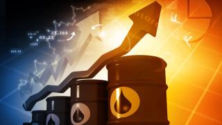Петролът е най-скъп от март, надхвърли $48 за барел