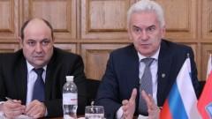 """Изплуват връзки на """"Атака"""" с руските служби през фирми на съветник на Сидеров"""