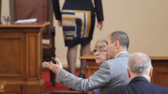 След фарсове и мъки депутатите окончателно приеха промените в Изборния кодекс