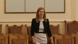 """""""Слънчев бряг"""" АД три поредни години отчита загуби, обяви Ангелкова"""