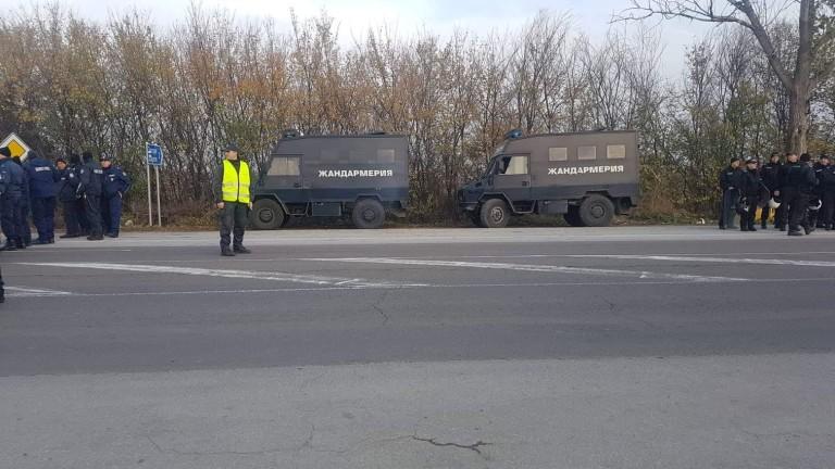 850 полицаи са охранявали днешните протести, съобщиха от МВР. Общо