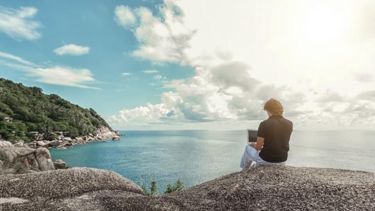 Как 28-годишен дигитален номад пътува по света и управлява успешен бизнес, който оперира и в България