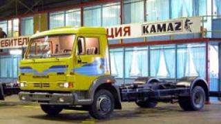 Автомобил се вряза в КАМАЗ край Лозен