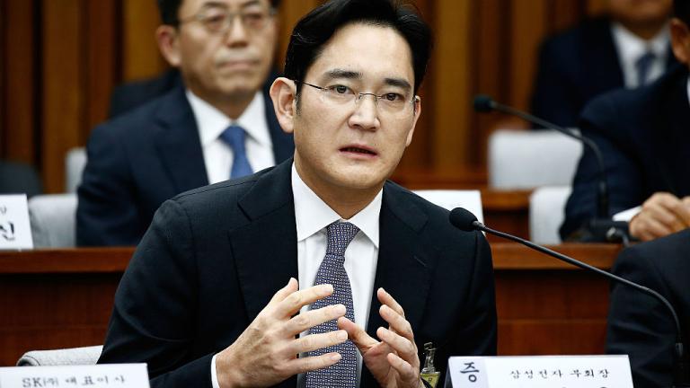 Вицепредседателят на Samsung Electronics Лий Дзие Юн бе осъден на