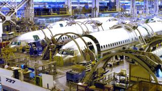 Boeing връща на работа пенсионирани служители
