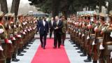 Помпео преговаря с талибаните, Гани и Абдула