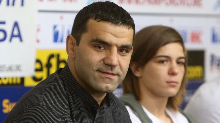 Треньорът на женския национален отбор по борба - Петър Касабов