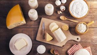 Цената на млечните продукти в света расте, на захарта спада