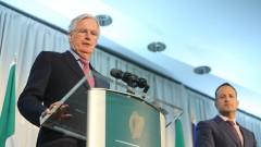 Казусът за границата с Ирландия заплашва сделката за Брекзит, предупреди Барние