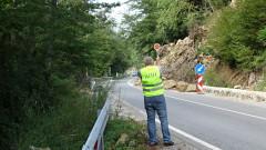 Поставиха светофар в района на свлачището под Асеновата крепост