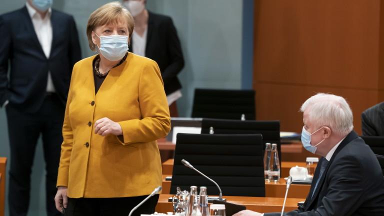 Меркел свика кризисна среща, направи обратен завой за ограниченията по Великден