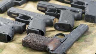 Източна Европа залива с оръжие Близкия Изток