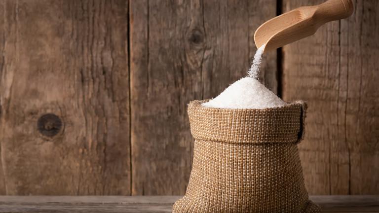Русия произвежда толкова много захар, че вече няма къде да я съхранява
