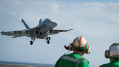 """Двама пилоти са загинали при катастрофа на """"Супер Хорнет"""" във Флорида"""