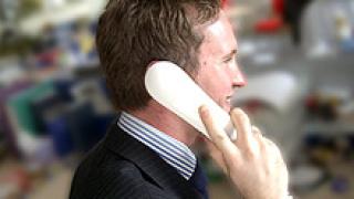 Поевтиняват разговорите между мобилен и стационарен телефон
