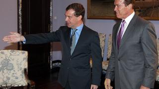 "Медведев показва на Шварценегер ""правилата на играта"""