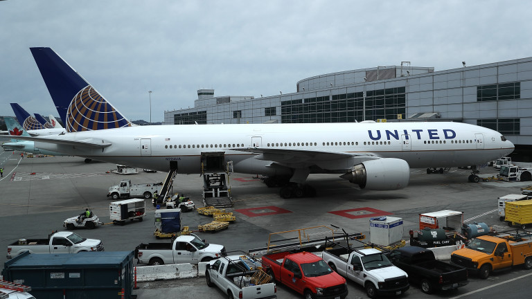Полетите на много летища в САЩ са отложени заради срив