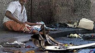 Крайпътна бомба уби седем души в Шри Ланка