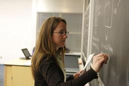Учителската професия се топи, след 10 г. настъпва криза