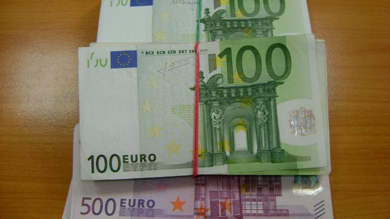 """Хванаха трима тираджии с контрабандна валута за над 850 000 лв. на """"Дунав мост"""" 2"""