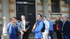 Протест пред изплашения и разделен Свети синод