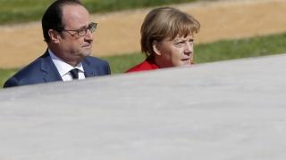 """Меркел и Оланд постигнали """"пълно съгласие"""" как да действат след Брекзита"""
