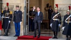 Манюел Валс губи още на първи тур на президентския вот във Франция, показва анкета