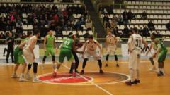 Берое докосва полуфинала на Балканската лига след трилър в Кавадарци