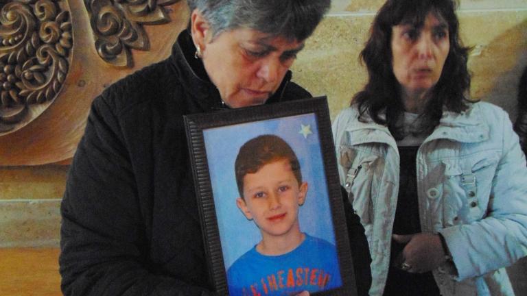 Година след смъртта на 6-годишното дете в Панагюрище шофьорите карат постарому