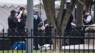 Мъж се самозапали пред Белия дом