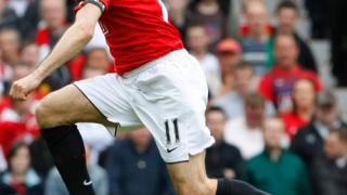 Юнайтед предлага нови договори на Гигс и Скоулс