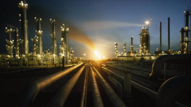 Акциите на Saudi Aramco скочиха с 10% при първата търговия след IPO