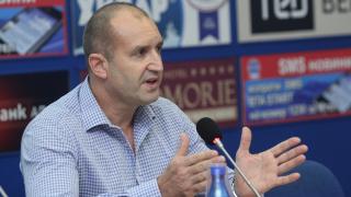 Напуснах армията заради унизителните договори на министър Ненчев, обяви генерал Радев