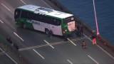 Мъж похити автобус с хора в Бразилия, плаши да го запали