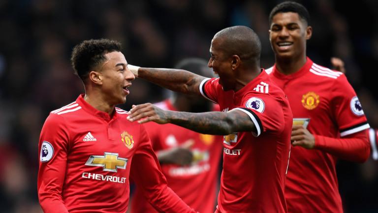 Юнайтед удължи договорите на трима свои играчи