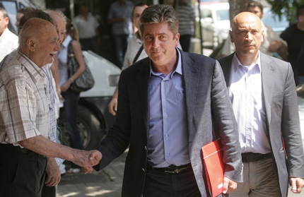 Станишев оцеля, остава лидер на БСП
