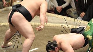 Котоошу с втора победа в Осака