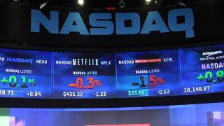 Технологичният индекс Nasdaq изкачи нов исторически връх