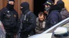 Задържаха 17 души от терористична клетка в района на Барселона