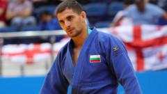 Ивайло Иванов с три победи в Доха, ще спори за медал