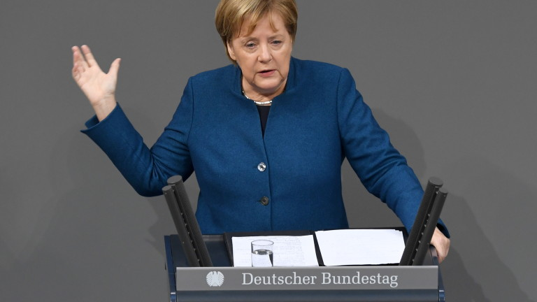 Меркел твърди: Пактът за мигрантите на ООН е в интерес на Германия